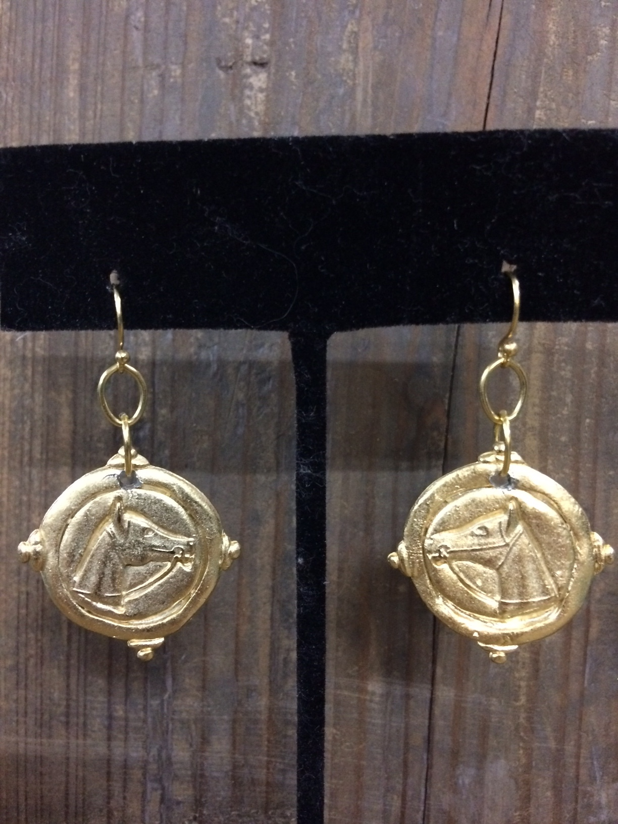 susan-shaw-equestrian-earrings-gold-horse-head-2