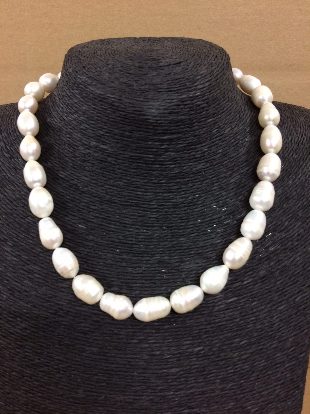 susan-shaw-necklace-pearls-only